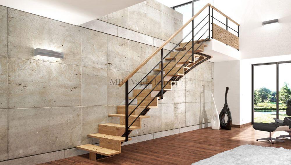 Mediniai laiptai ant metalo pagrindo